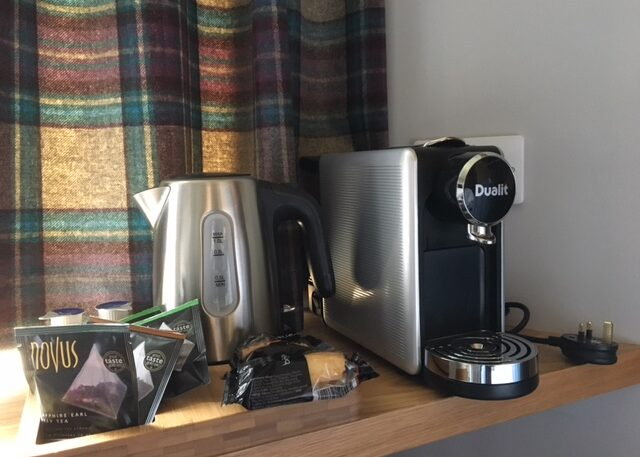 Ravelston House Musselburgh hotel guest room tea and coffee making faciities