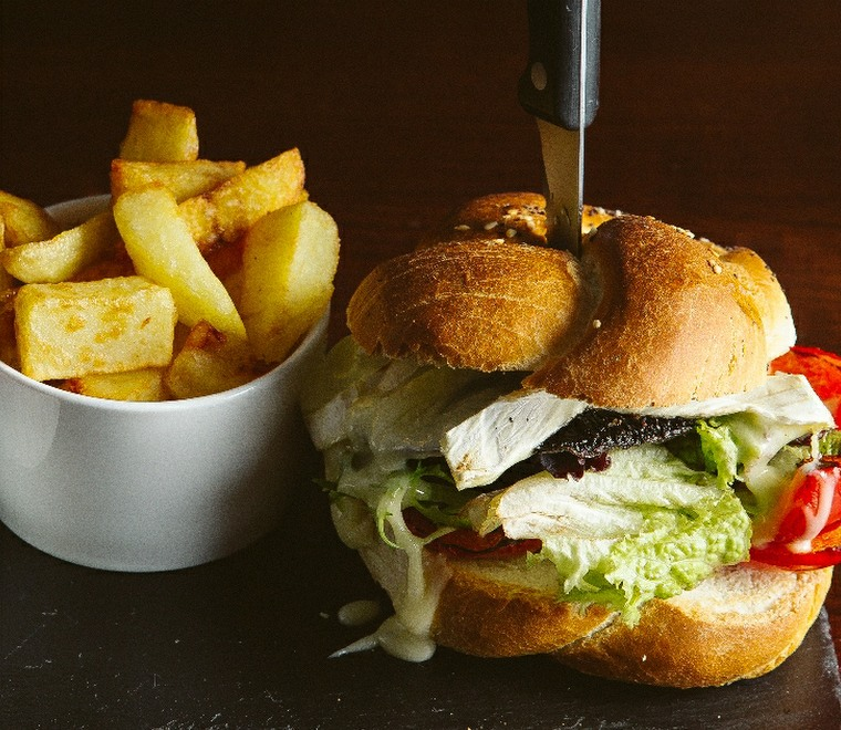 Ravelston House Musselburgh burger and chips